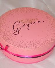 32 VS Premium UV printing round cosmetic gift box with embossed logo ribbn wra (3)